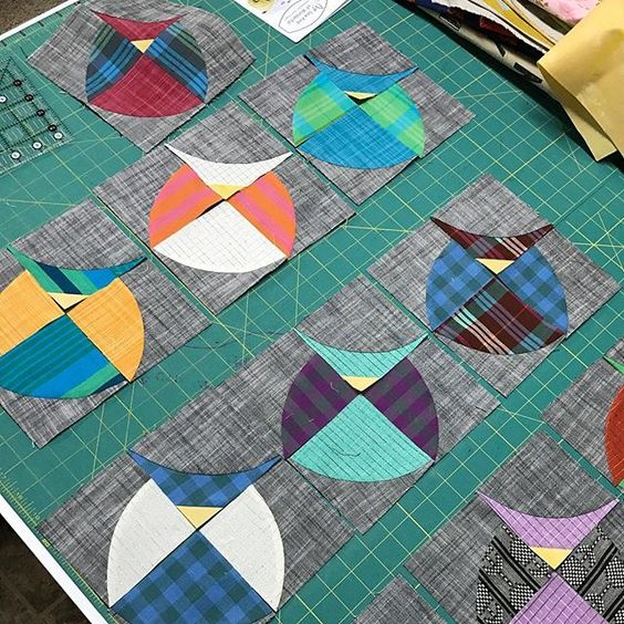 15 Fabulous Patterns for Fall - Mod Owls - Let me share some really great patterns and inspiration with you so you can start creating! Check out these 15 fabulous patterns for fall! #simple #TableRunners #AutumnLeaves #JellyRolls #WallHangings #FallQuiltBlocks #Quilting #ColorCombos #Fabric #PaperPiecing #Fun #Easy #Quick #pattern