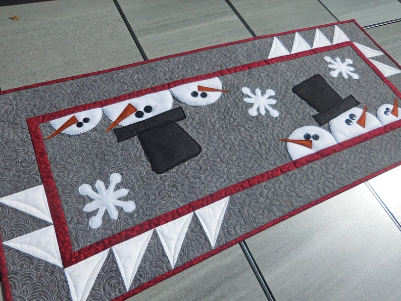Christmas Table Runner Archives Sew Much Moore
