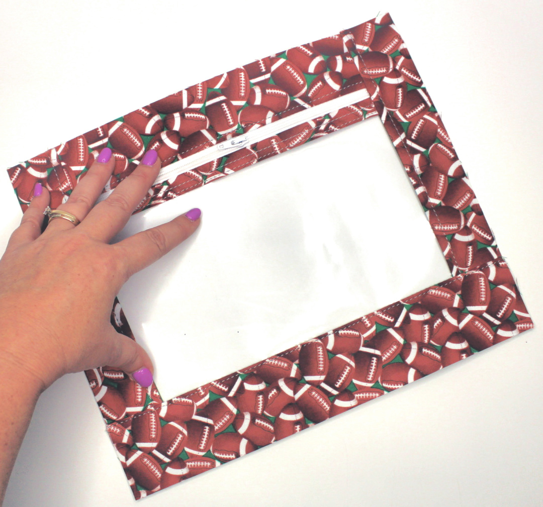 Making a 3 Ring Binder Zipper Pouch is fun and easy! Let me show you all about this project and don't forget to watch the video tutorial too! #PencilPouch #3RingBinderZipperPouch #BackToSchool #SewingProject #Tutorial #VideoTutorial #PDFPattern #StepByStep #Easy #Beginner #SewMuchMoore #SewMuchMooreInStore